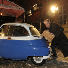 Very practical indeed: the tiny Isetta is easily pushed by hand.