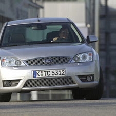 Ford Mondeo Saloon 2.5 Turbo