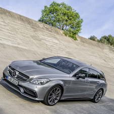 Mercedes-Benz also updated the range of engines available for both models which now meet the EU6 emissions standards