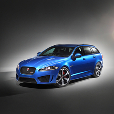 It gets a new, deeper front bumper which incorporates larger lower central and side air intakes