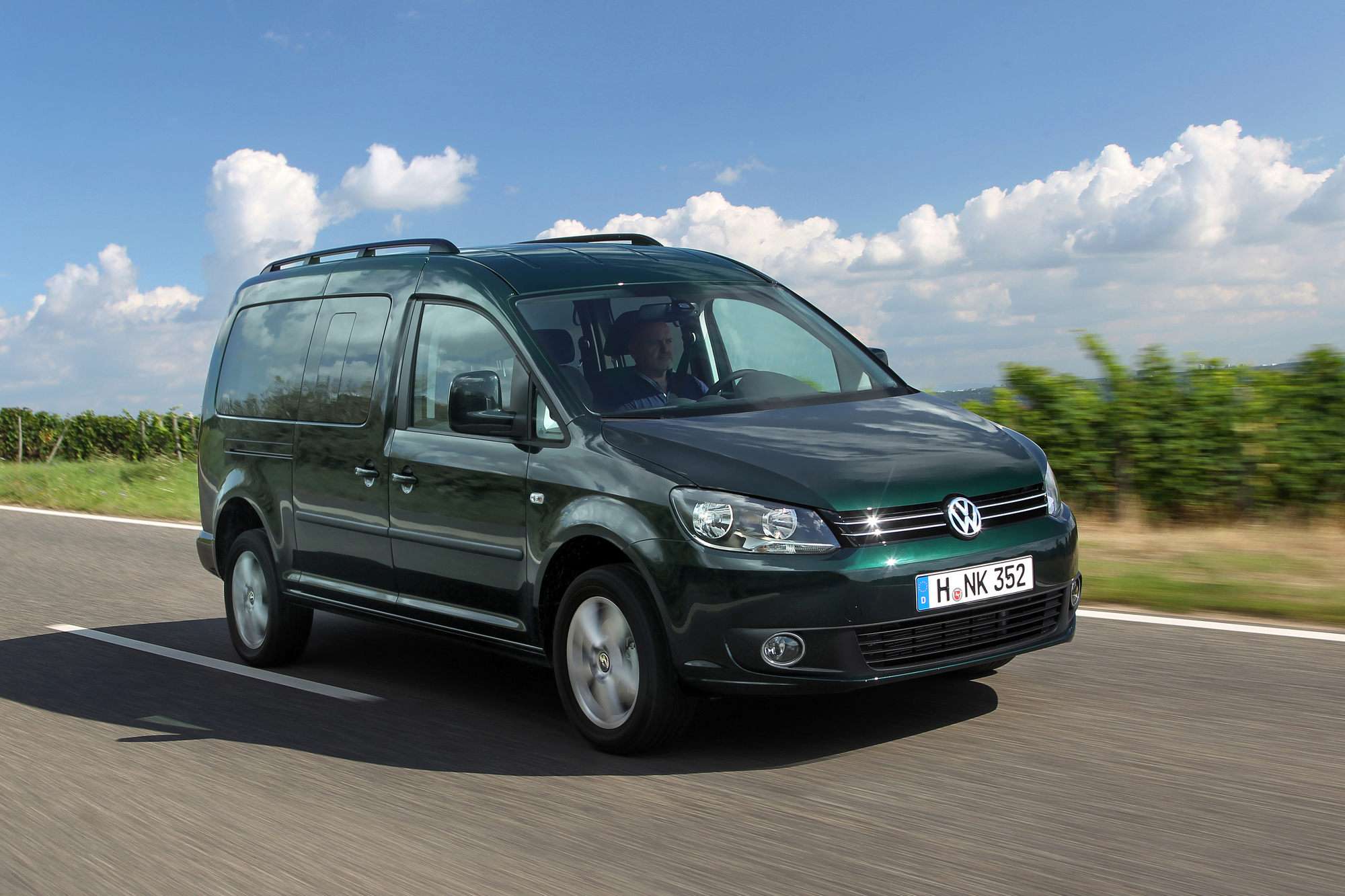 volkswagen caddy maxi 2 0 tdi highline 4motion dsg. Black Bedroom Furniture Sets. Home Design Ideas
