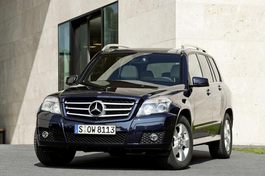 Mercedes benz glk 350 cdi 4matic 2 photos and 60 specs for Mercedes benz 350 cdi