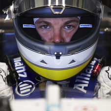 Rosberg stays on at Mercedes until 2013