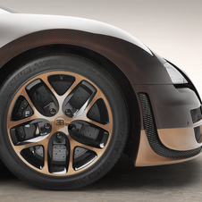 The wheels have also been painted in brown