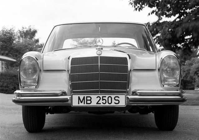 Mercedes-Benz 250 S Automatic