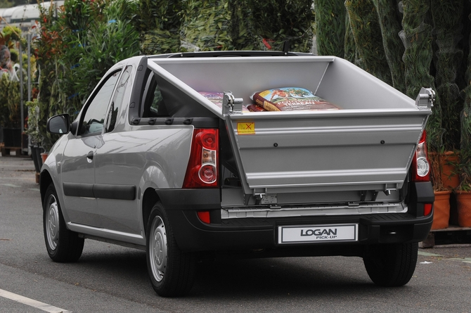 dacia logan pick up 1 5 dci 70cv pack photo dacia gallery 244 views. Black Bedroom Furniture Sets. Home Design Ideas