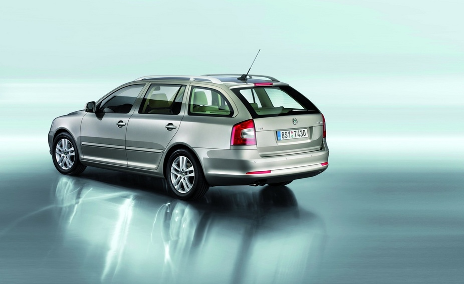 skoda octavia break 1 4 tsi elegance dsg 1 photo and 61 specs. Black Bedroom Furniture Sets. Home Design Ideas