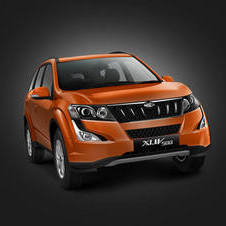 Mahindra XUV500 W10 AT