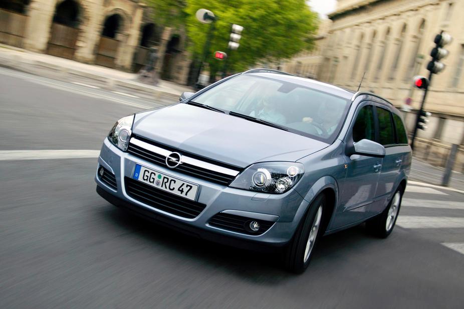 New Opel Astra Caravan. Opel Astra Caravan 1.9 CDTI