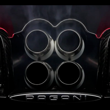 Like the Zonda, its has quad exhausts poking out of the rear