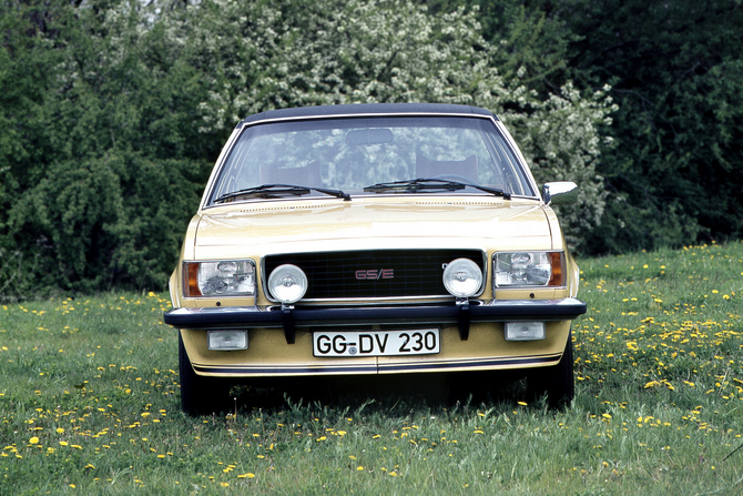 Opel Commodore GS/E 2.8 Coupé Automatic