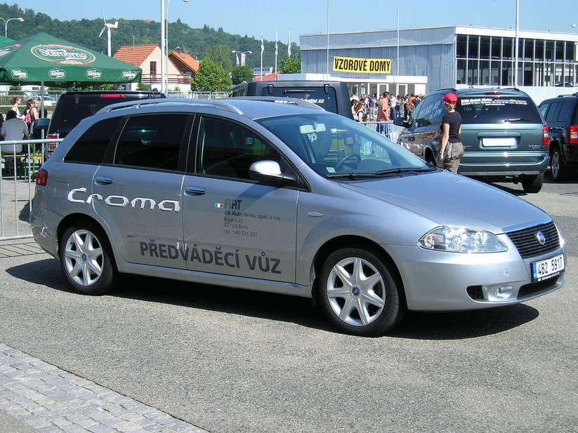 Fiat Croma 2.2 MPI 16v :: 2 photos and 70 specs :: autoviva.com