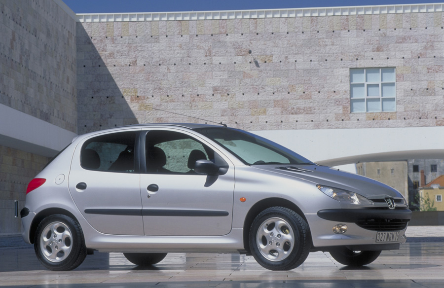 Peugeot 206 1 4 Xt    1 Photo And 59 Specs    Autoviva Com