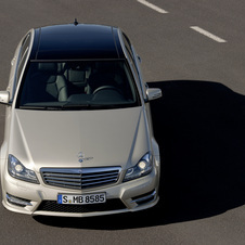 Mercedes-Benz C 180 BlueEFFICIENCY Saloon AT