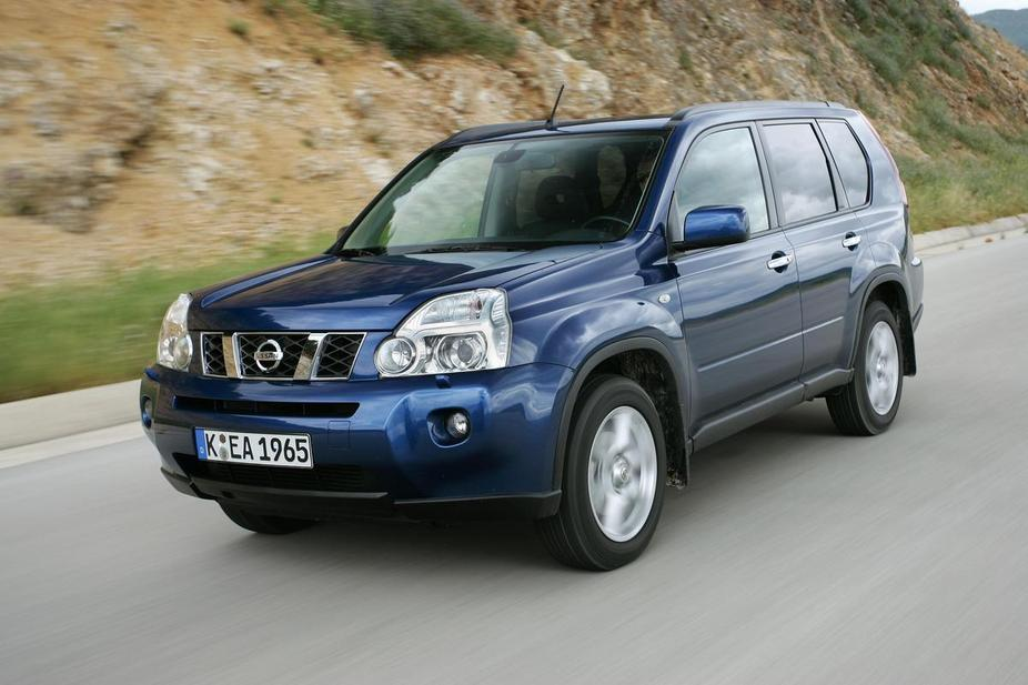 nissan x trail 2 5 cvt 2 photos and 73 specs. Black Bedroom Furniture Sets. Home Design Ideas