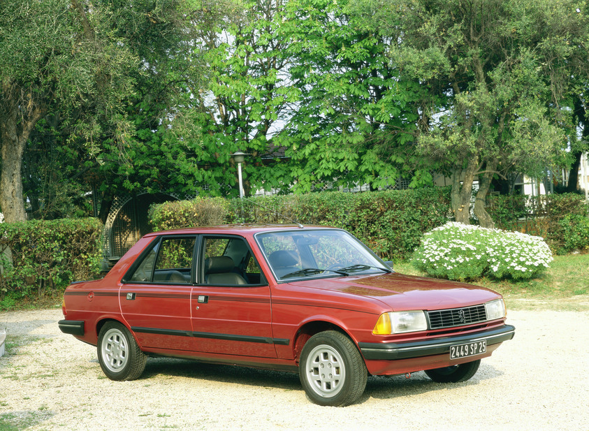 Peugeot 305 GTX. basic info. spec rating. Top Speed 177 km/h
