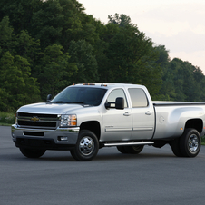 Chevrolet Silverado LT Long Box DRW