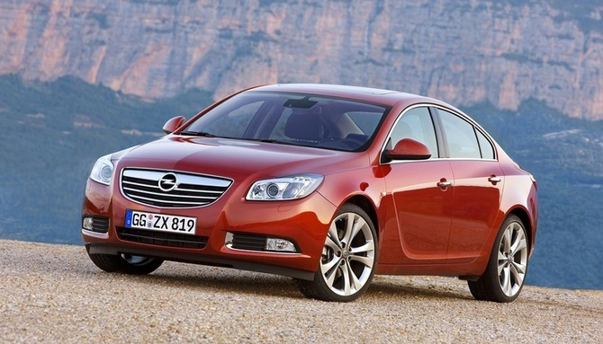 Opel Insignia 2.0 CDTI ECOTEC Automatic Photos :: 1 picture ...