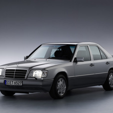 Mercedes-Benz 250 D AT