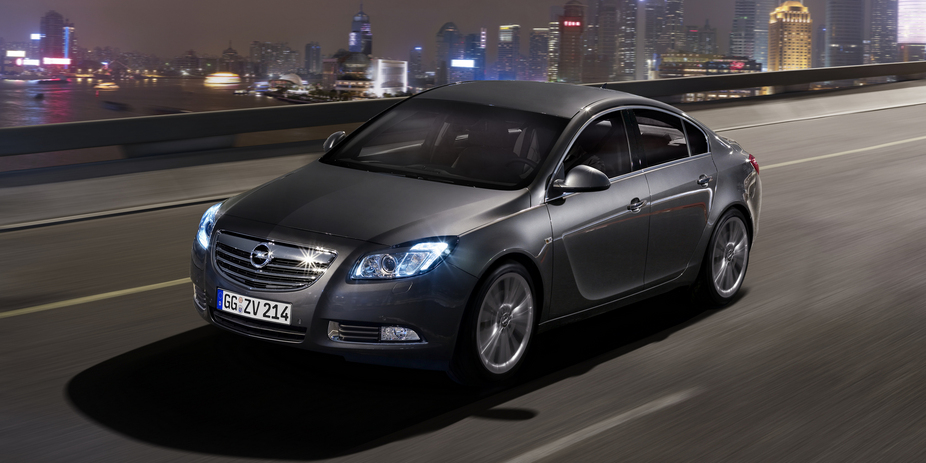 opel insignia 2 0 turbo cosmo 4x4 1 photo and 56 specs. Black Bedroom Furniture Sets. Home Design Ideas
