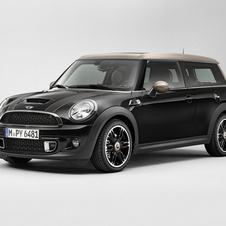 The Bond Street is only available as the Clubman and gets Midnight Black paint with champagne trim