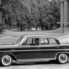 Mercedes-Benz 300 SEL 5-Speed