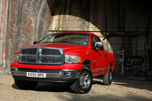 Dodge Ram 2500 Regular Cab 4X2 ST LWB