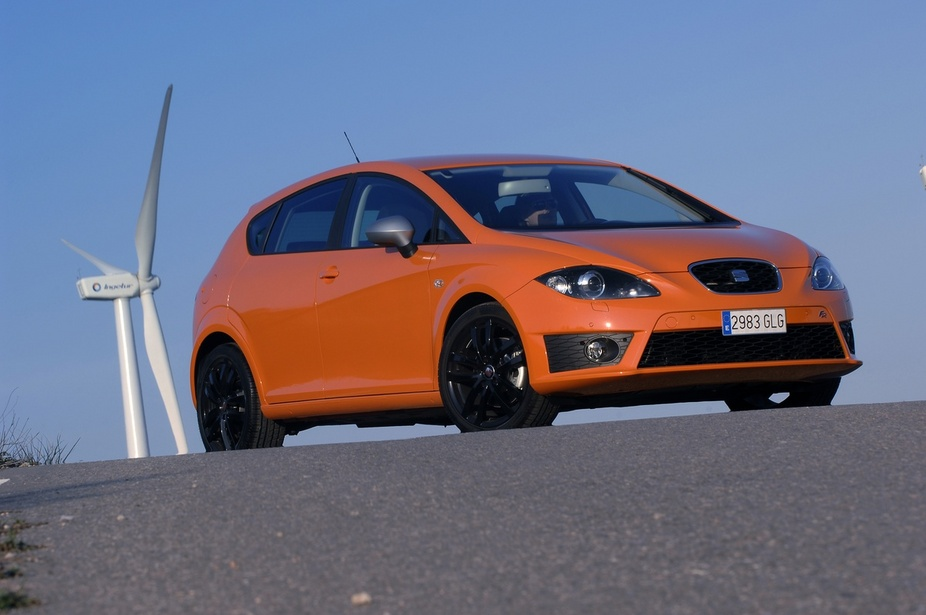 photo courtesy of: Seat. Seat Leon 1.9 TDI 105cv DPF Sport DSG (09)