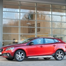 Volvo V40 D2 Summum Powershift Cross Country