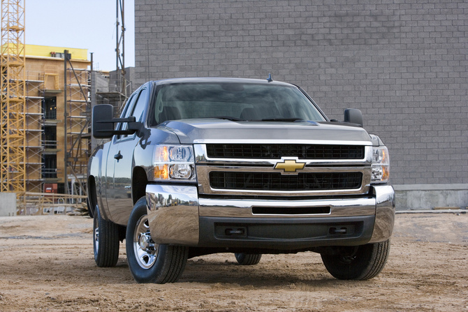 Chevrolet Silverado 2500HD Regular Cab 4WD LT1 Long Box