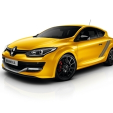 According to Renault, the car has an average fuel consumption of 7.5L/100km and CO2 emissions of 174g/km