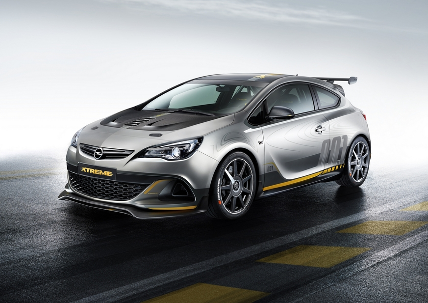 Astra OPC Extreme is equipped with a 2.0 Turbo engine that delivers over 300hp of power