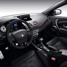 Inside, the Mégane R.S. 275 Trophy has been covered in leather and Alcantara