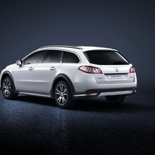 The Peugeot 508 facelift also includes the introduction of new engines to the range