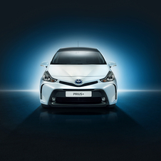 Regarding the design Toyota reshaped the front of the Prius+ further linking it to the rest of the brand model range