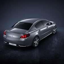 The new range of 508 also includes two versions of the 2.0-liter diesel engine Peugeot Blue HDI of 150hp and 180hp
