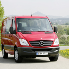 Mercedes-Benz Sprinter Crew Van 2500 Standard Roof 144-in. WB