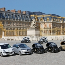 The palace purchased 23 Renault electric cars