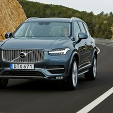 Volvo XC90 T8 AWD Momentum Geartronic