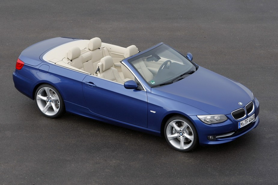 bmw 320d cabrio m sport 1 photo and 11 specs. Black Bedroom Furniture Sets. Home Design Ideas