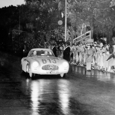501 cars started the race in 1952 and 275 were able to finish