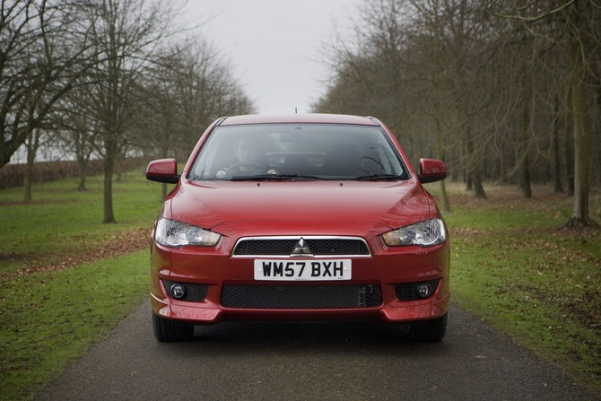 Mitsubishi Lancer 2.0 DID Intense