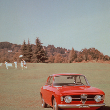 Alfa Romeo Giulia Coupé 1300 GT Junior