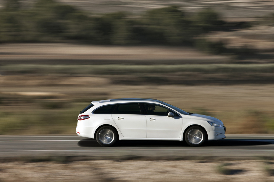 peugeot 508 sw active 2 0 hdi 1 photo and 62 specs. Black Bedroom Furniture Sets. Home Design Ideas