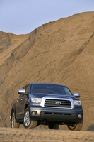 Toyota Tundra-Grade Regular Cab 4X2 5.7L Long Bed