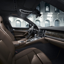 Inside the new special edition of Porsche gets seats upholstered in brown leather from the Italian company Poltrona Frau