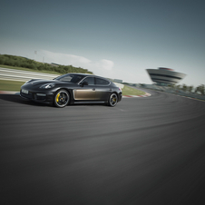 The Panamera Turbo S Exclusive Executive is equipped with the same 4.8 V8 twin-turbo engine of the Panamera Turbo S
