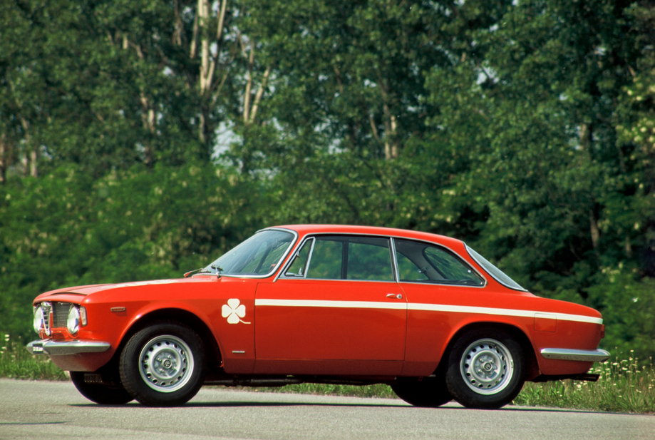Alfa Romeo Giulia 1300 GTA Junior