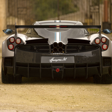 Thanks to this mechanical construction, the Huayra BC should be able to reach 100km/h in less than 3.2 seconds and reach a top speed above the 370km/h