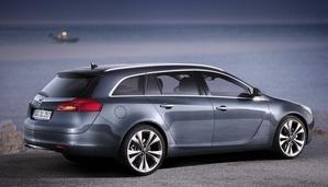 Opel Insignia Sports Tourer 2.0 CDTI BiTurbo ECOTEC AWD Automatic :: 1 ...